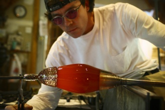 Nick Kekic - Working on glass